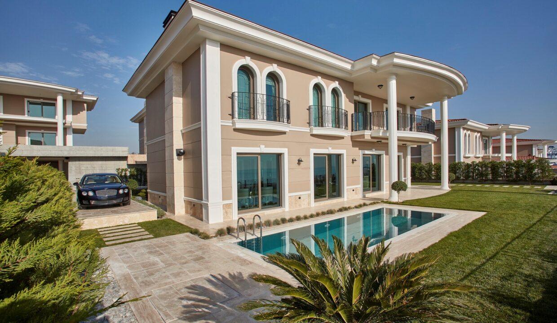 villa exterior 1 (Large)